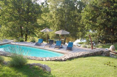 Piscine et étang Chateauret